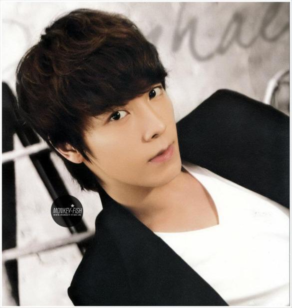 eunhyuk-donghae-2012-wall-calendar-super-junior-27731401-960-1014
